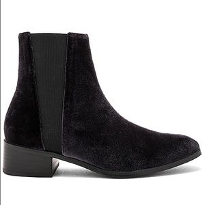 Raye (Revolve) black Celeste velvet boots- Fall 🍁